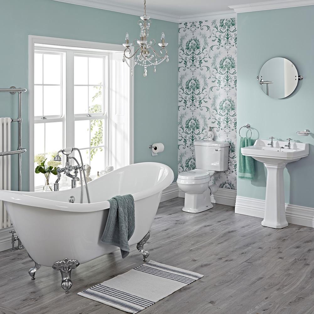 Badausstattung Carlton mit Toilette, Waschbecken, Badewanne und Armaturen - Greiffüße Chrom