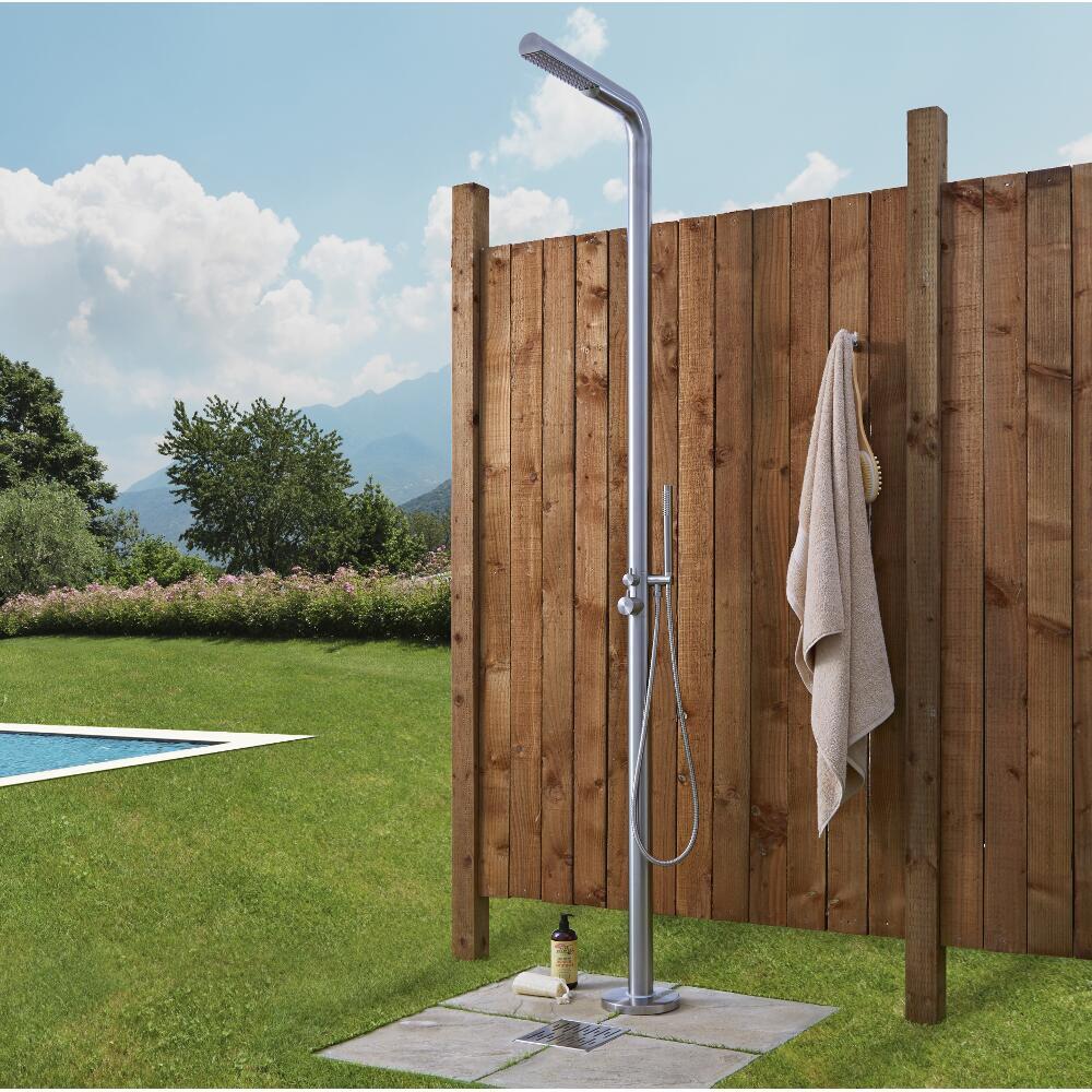 Moderne Freistehende Gartendusche mit Handdusche gebürsteter Stahl - Lugo