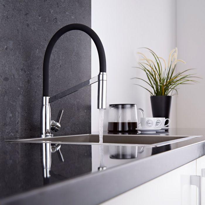 Küchenarmatur mit flexibler Brause in Schwarz und Chrom - rund