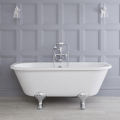 Freistehende Vorwand Badewanne zum Anlehnen an die Wand auf Füßen