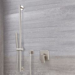 Aldwick Einhebel-Duscharmatur mit Brause auf Duschstange - Gebürstetes Nickel