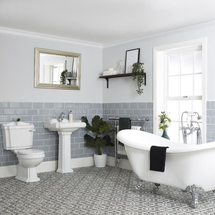 Traditionelles Bad Komplettset - mit freistehender Badewanne, Stand-WC und Standwaschbecken - Regent