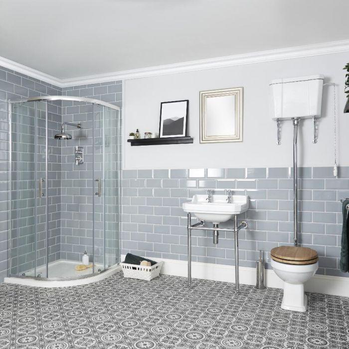 Nostalgie Bad Komplettset – Viertelkreis-Duschkabine, WC mit hohem Spülkasten und Waschbecken mit Metallgestell - Richmond
