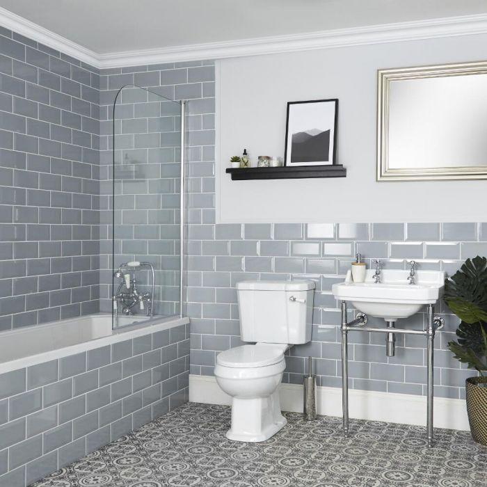 Traditionelles Badezimmerset – mit Einbau-Badewanne, WC und Waschbecken mit Metallgestell - Richmond