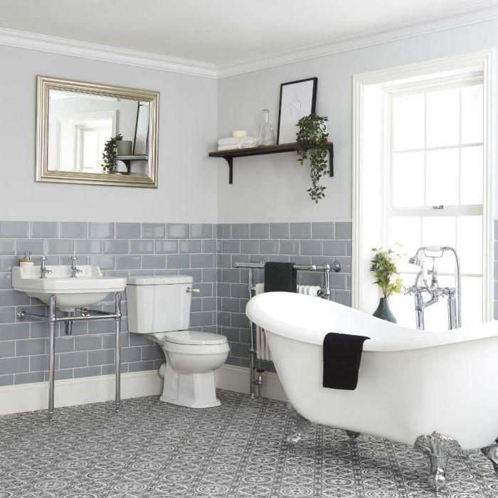 Traditionelles Badset mit freistehender Badewanne mit WC und Waschbecken mit Gestell - Richmond