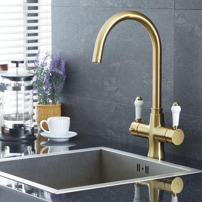 Traditionelle Heißwasser-Küchenarmatur, 3-in-1, schwenkbar – gebürstetes Gold – Elizabeth