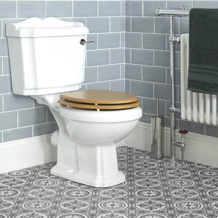 Stand WC mit aufgesetztem Spülkasten und Sitz in Eiche - Oxford