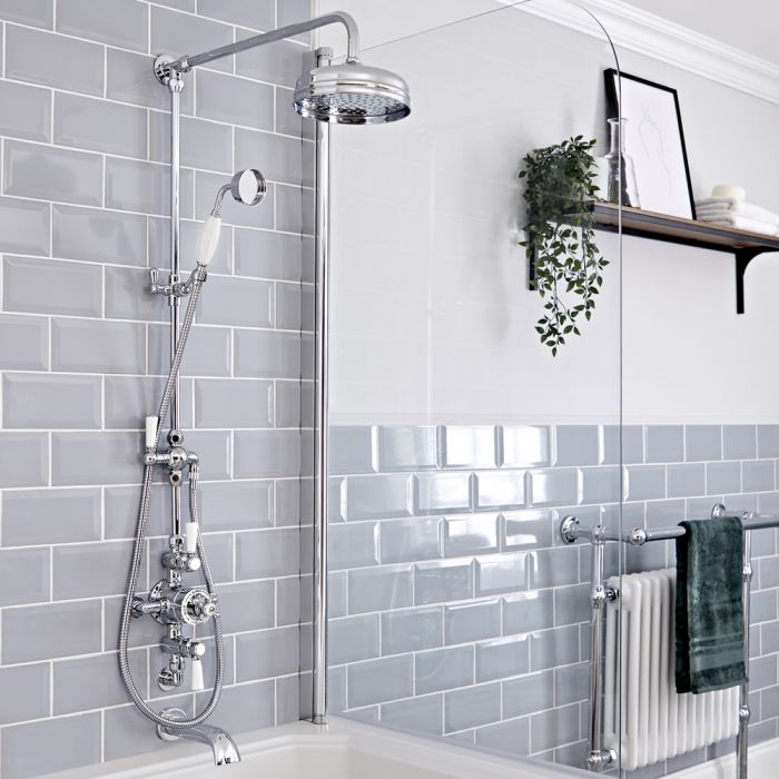 Retro Duschsäule mit Aufputz-Thermostat und wandmontiertem Wanneneinlauf, Chrom/Weiß - Elizabeth