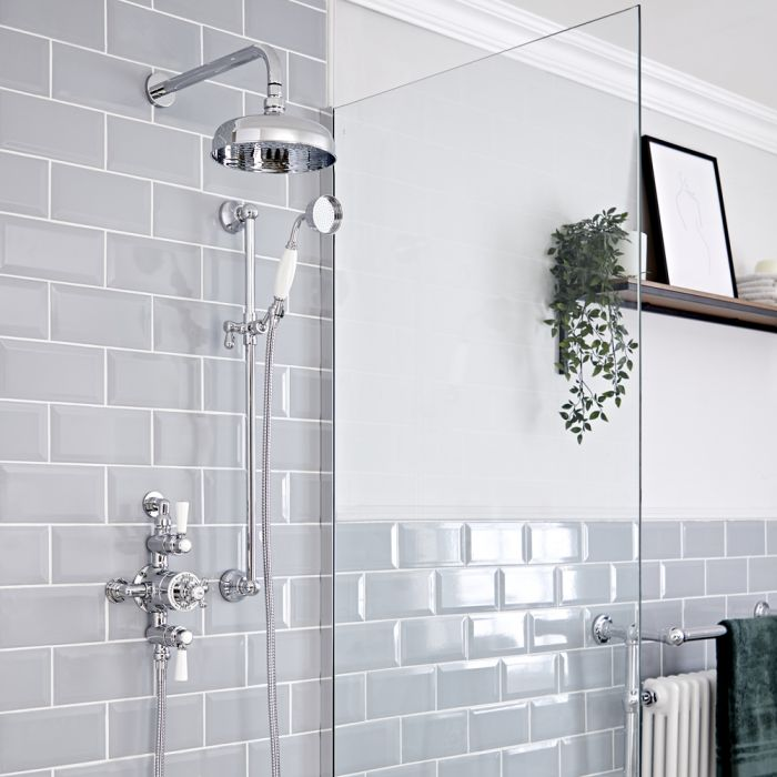 Duschsystem mit Aufputz-Thermostat - mit 200mm Wand-Duschkopf und Brausestangenset - Chrom/Weiß - Elizabeth