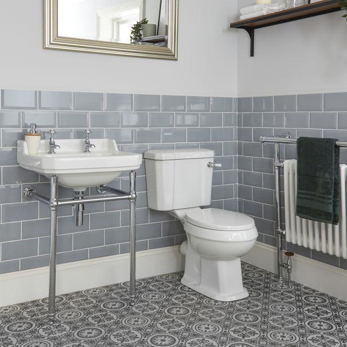 Traditionelle Toilette und Waschbecken mit Gestell - Richmond