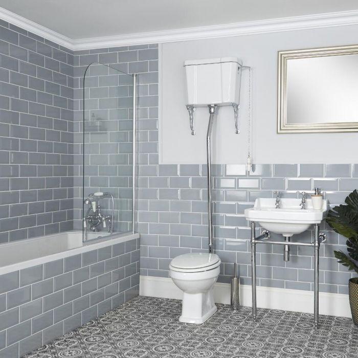 Traditionelles Badezimmerset – WC mit hohem Spülkasten und Waschbecken mit Metallgestell – Richmond