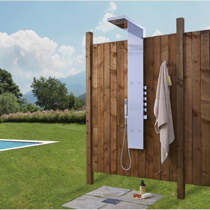 Aufputz-Duschpaneel für den Außenbereich Chrom